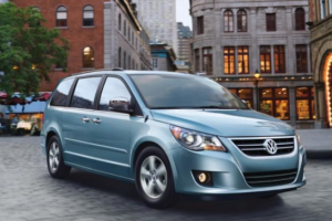 2013 Volkswagen Routan Owners Manual and Concept
