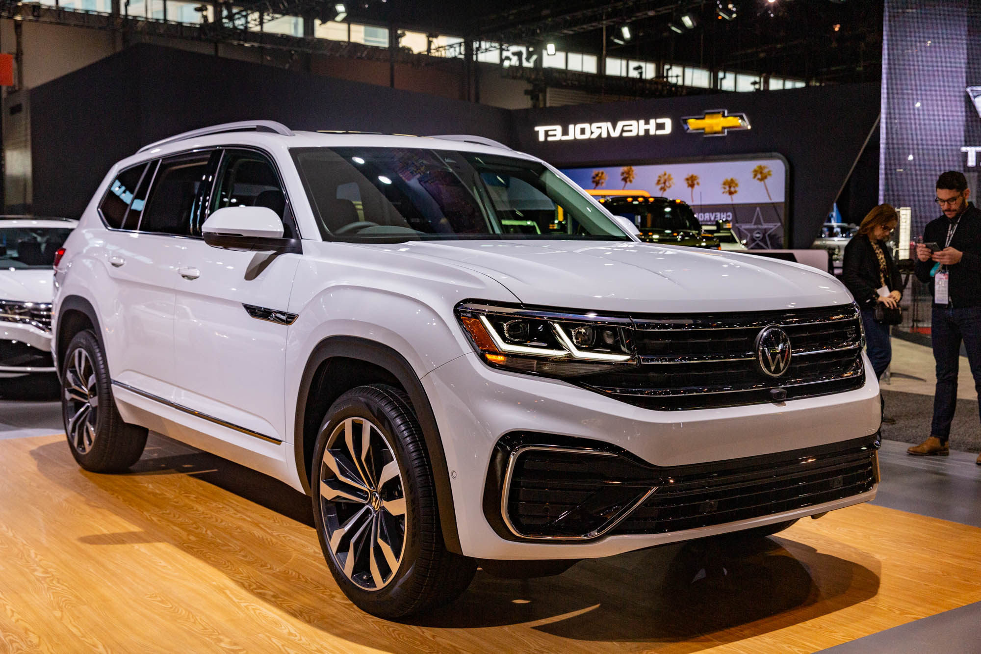 2021 Volkswagen Atlas Gets A Fresh Look But Keeps The Old