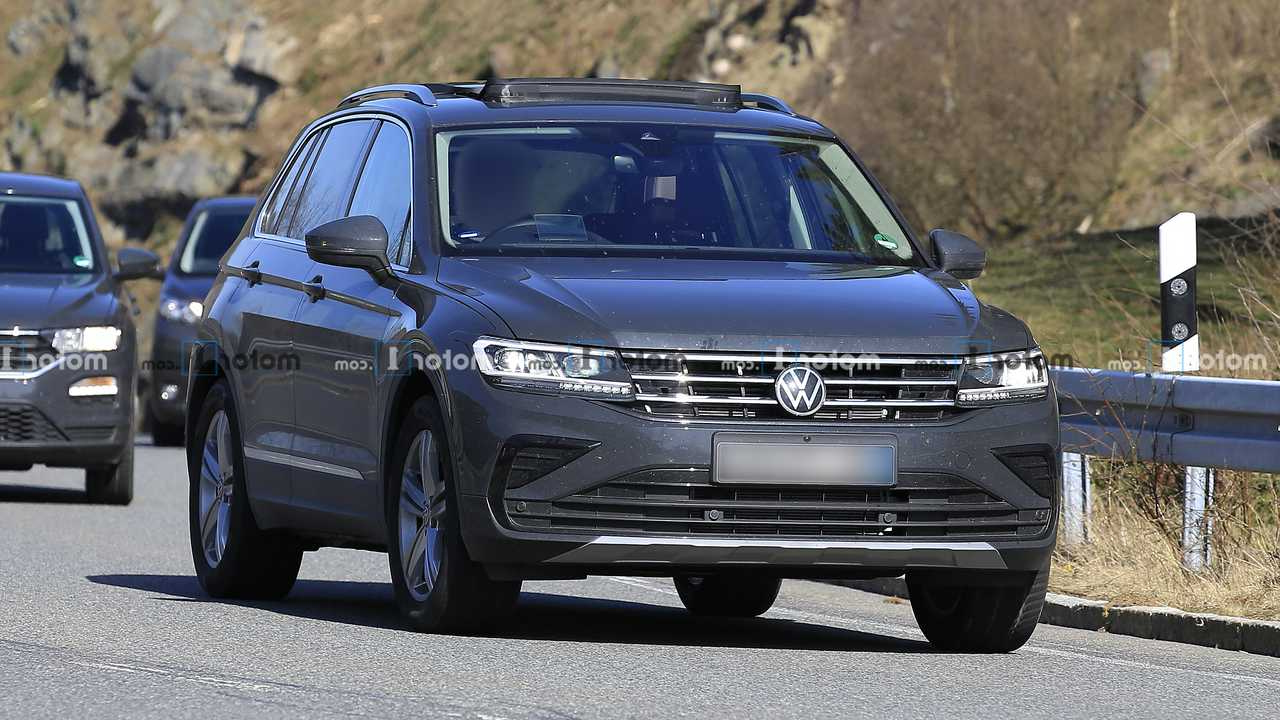 2021 Volkswagen Tiguan Facelift Spied Not Hiding Much