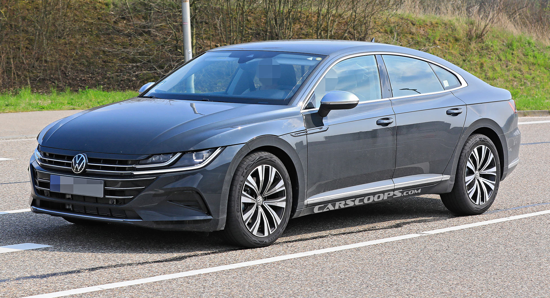 2021 Volkswagen Arteon Facelift Scooped Without Camouflage