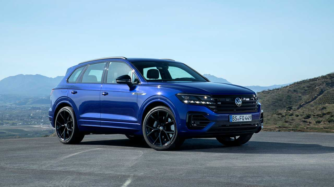2021 VW Touareg R Motor1 Photos