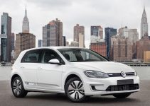 2018 Volkswagen E Golf Front Three Quarter Motor Trend